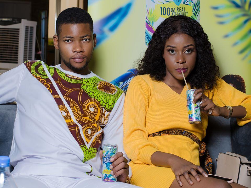 Wendlasida Flora Ouédraogo Miss Burkina 2019, savourant Kabisa