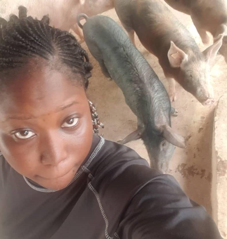 Un selfie avec ses porcs