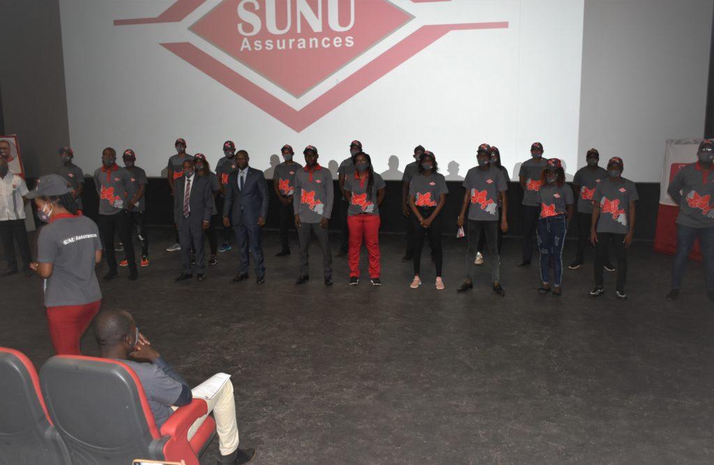 Vue partielle de léquipe SUNU Assurances Vie Burkina Faso