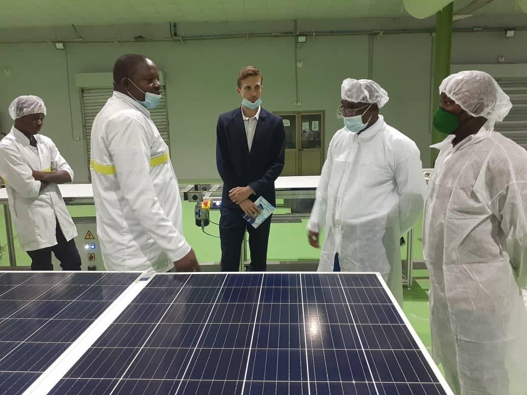 Faso Energy : La première usine de fabrication de plaques solaires en Afrique de l'Ouest inaugurée au Burkina Faso - Bizness Kibaya