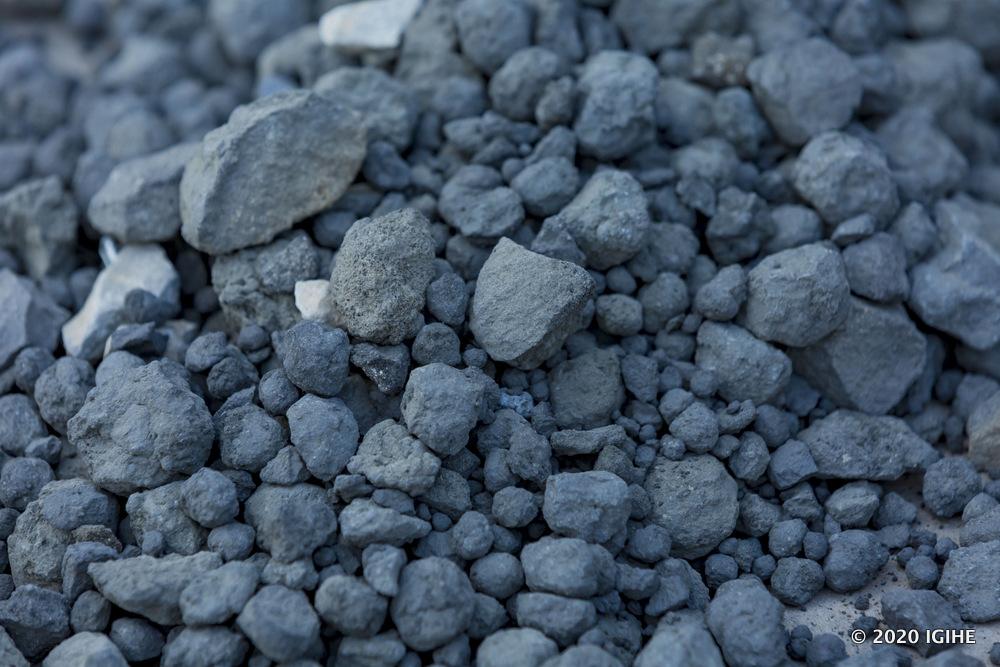 Pierres de volcan utilisés dans la fabrication du ciment de Prime Cement