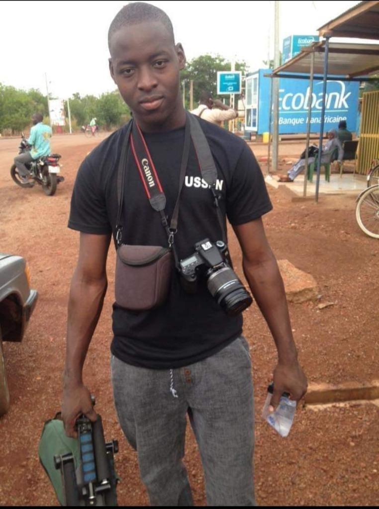 Nashir, le jour où il a feinté le devoir contrôle d'anglais à l'université, pour aller faire des photosi